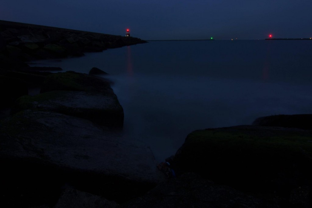 Breakwater at the blue hour bulb exposure tips RAW