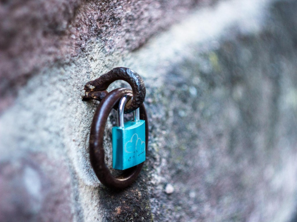 Lock on Nuremberg's Castle @Vlad Stawizki F2.8 – 1/30s – ISO 400 – 50mm