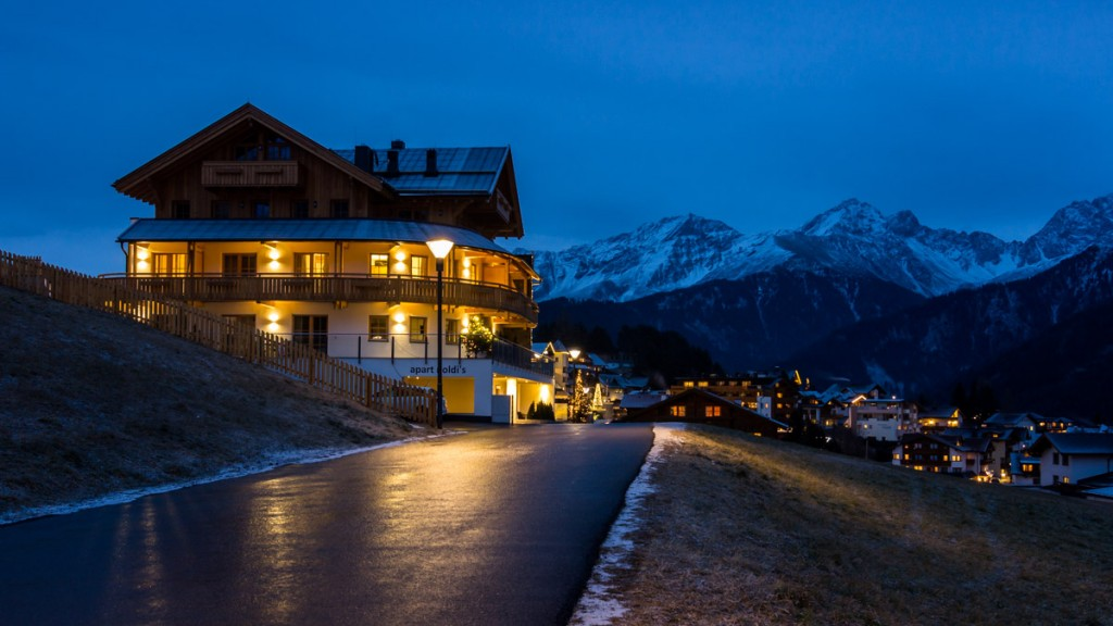Serfaus: Blue Hour in the Mountains @Vlad Stawizki F8 – 5s – ISO 100 – 24mm